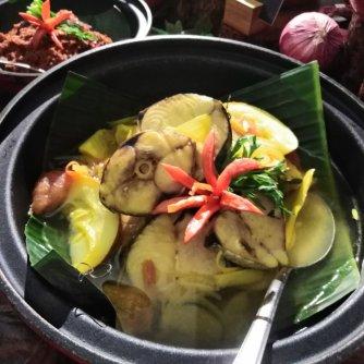 Ikan tongkol masak singgang